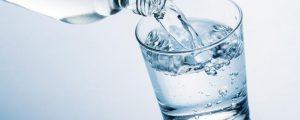 شرب الماء للشعر