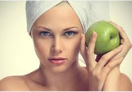 التفاح مغذي البشرة